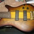 Ibanez - Bass